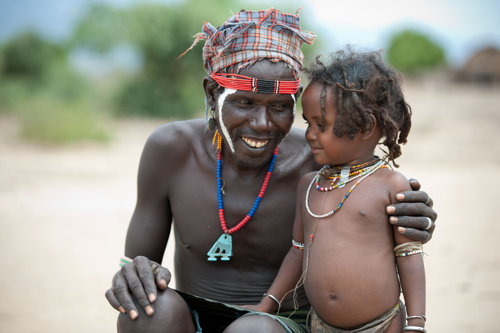 Arbore tribal father and daughter